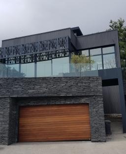 House Ferreira Garage